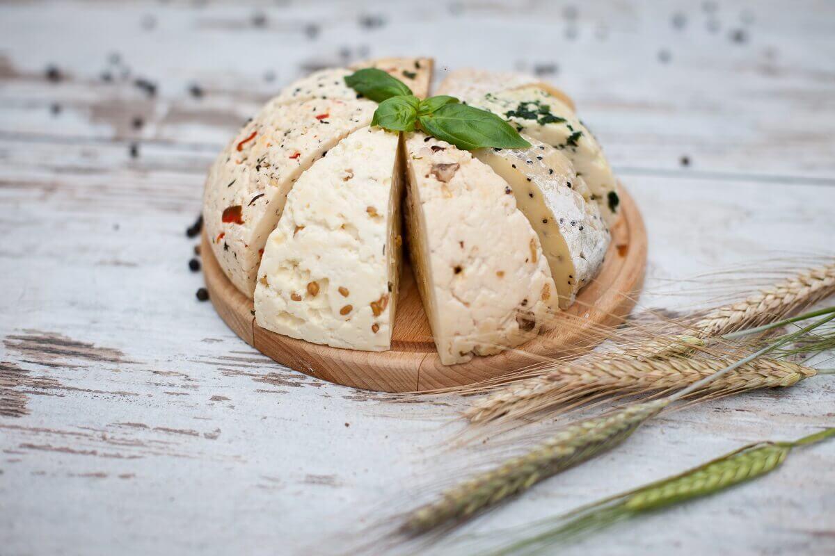 Jak produkowany jest ser swojski na Podlasiu?