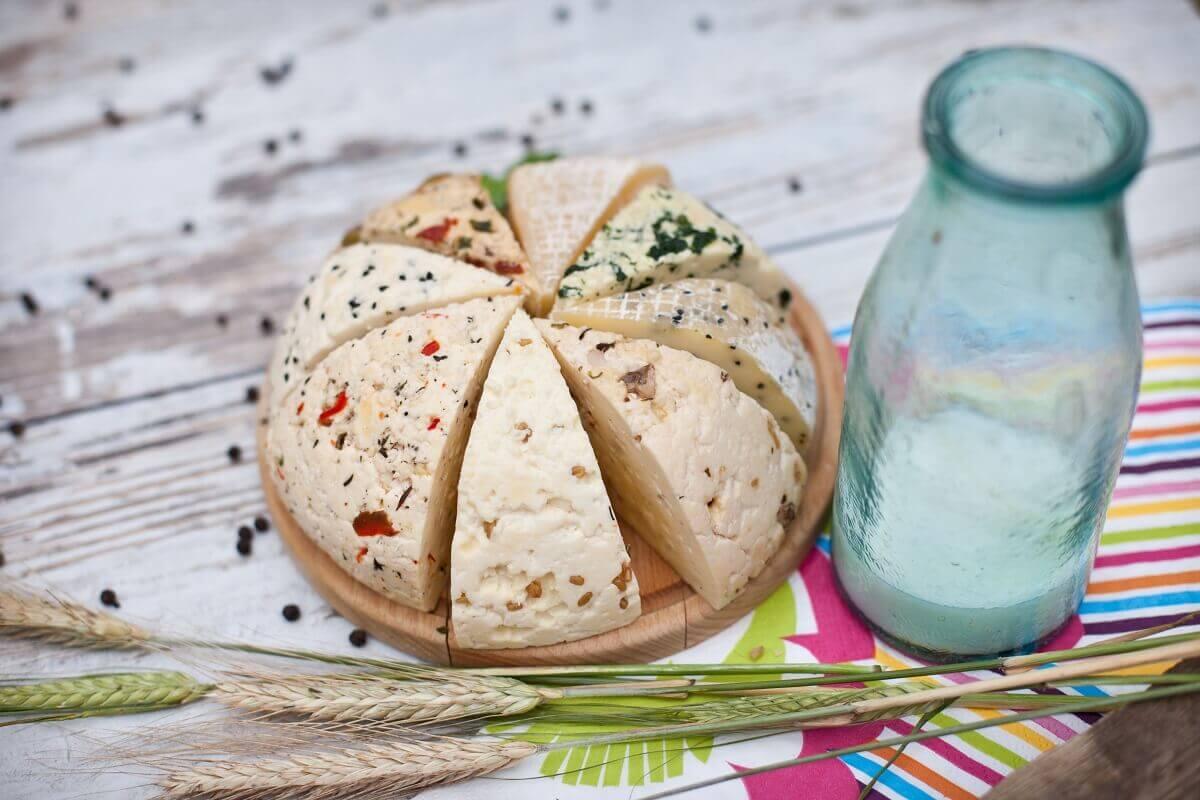 Ser koryciński jako dodatek do wykwintnych potraw