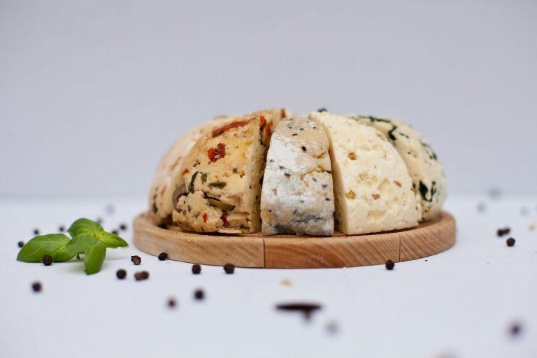 Kawałki smakowe korycińskiego sera domowego