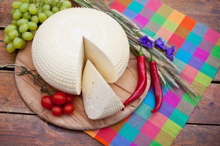 Koryciński ser z czosnkiem specyficzny smak